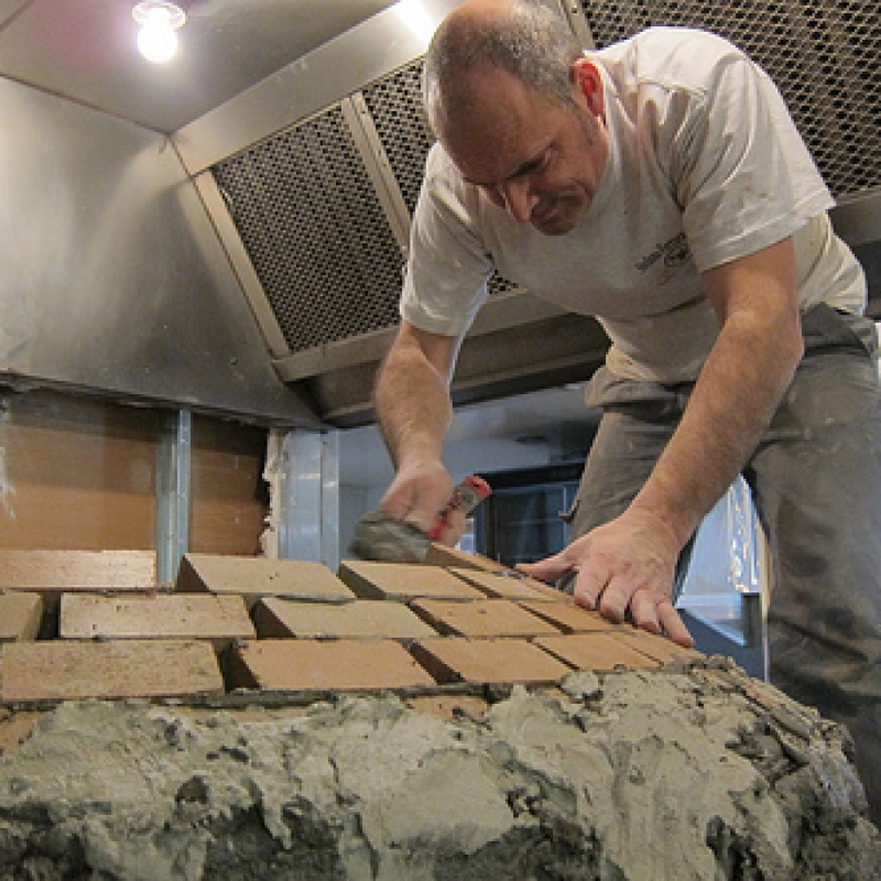 Making a Stefano Ferrara pizza oven - step 3