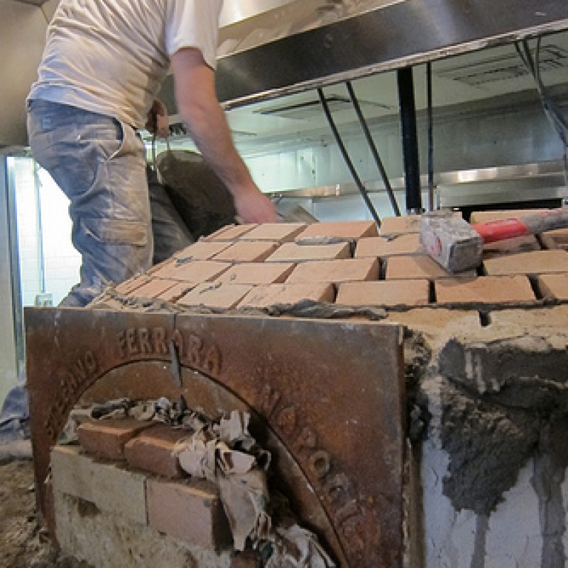 Making a Stefano Ferrara pizza oven - step 6